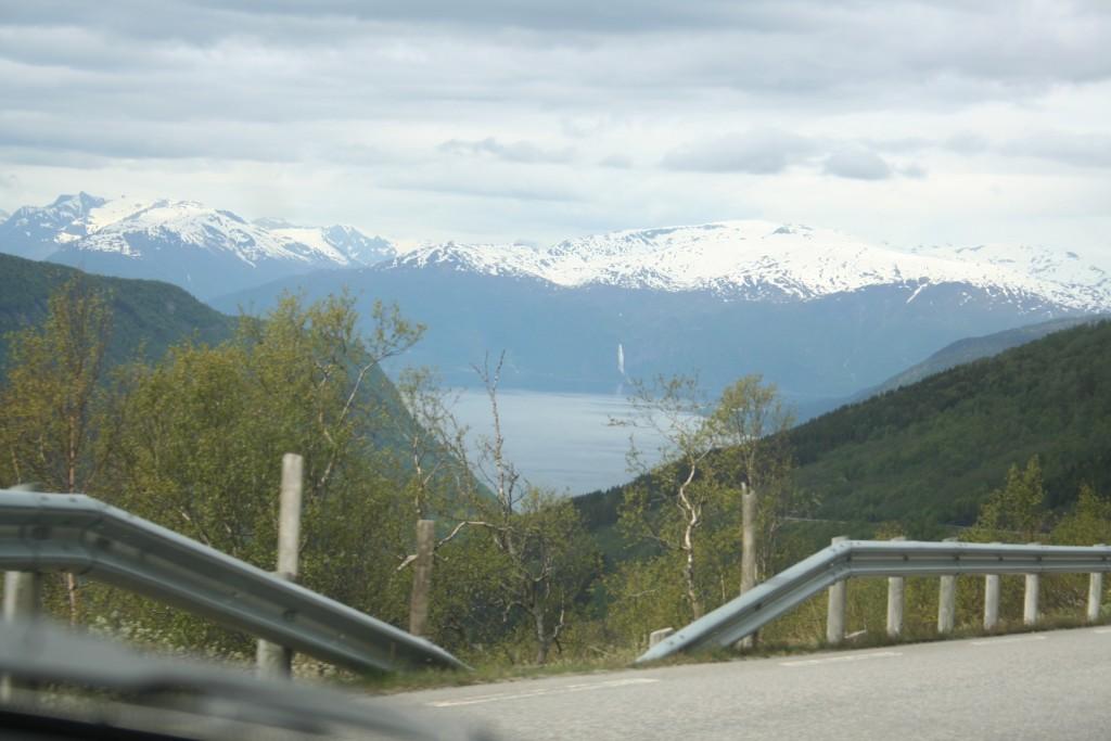 Fyrste glimt av Sognefjorden, Isak